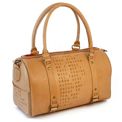 Lædertaske designet til Jonatha Brooke